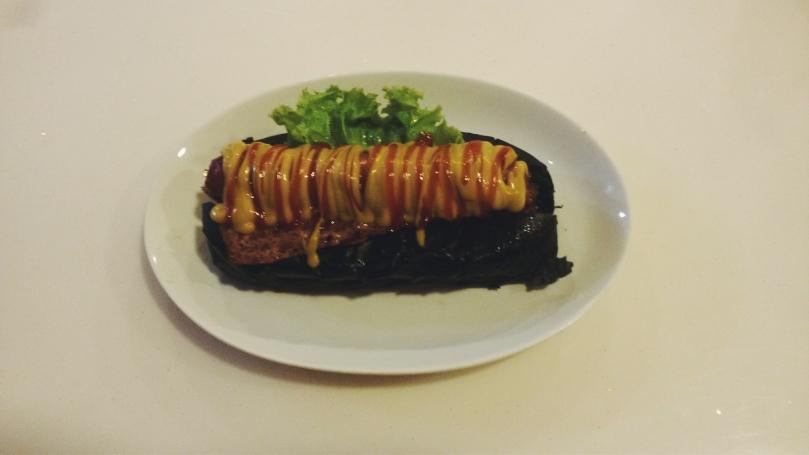 Frankfurter Smokey Beef with Black Bun