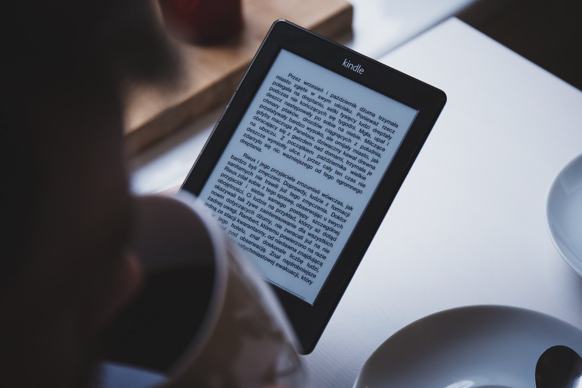 Why I Love Reading in My Kindle